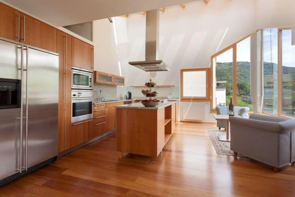 Die elitäre Wohn-Küche mit atemberaubendem Panoramablick