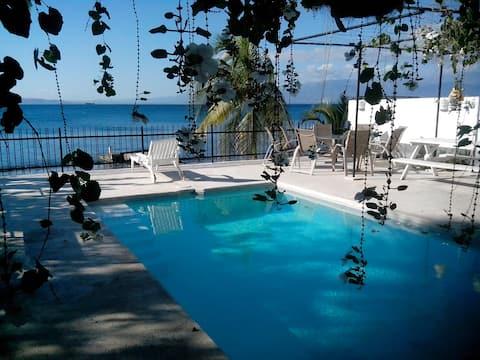 Beachfront Villa Las Velas - Beautiful & relaxing