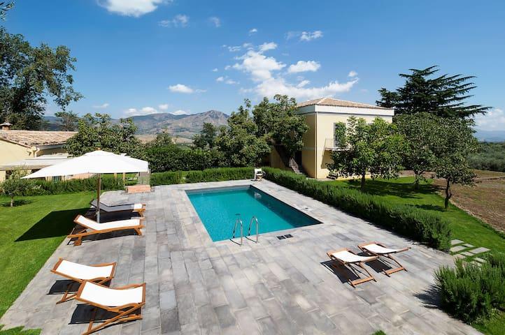 Villa Ravenna - 10 Guests