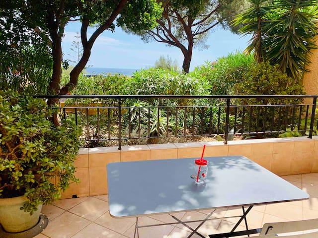Appartement vue mer à 100m de la plage Marinella