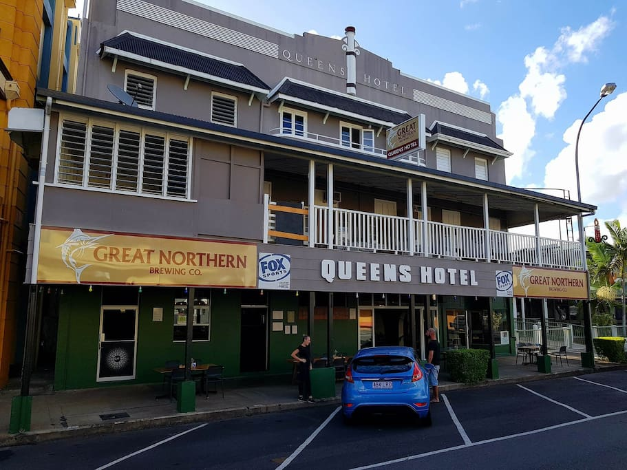 Queens Hotel, Rankin Street one of the 'Big Boys' along with the Shire Hall next door