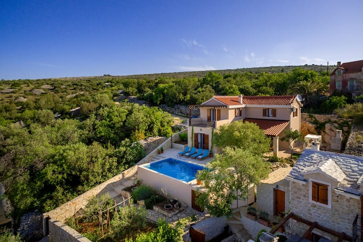 Villa Helena,private pool, Milna-sea view!