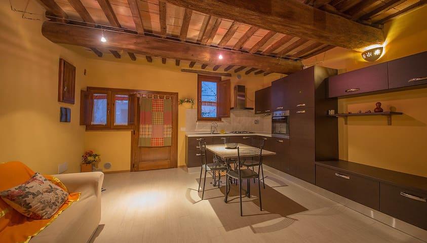 Cucina e soggiorno 2