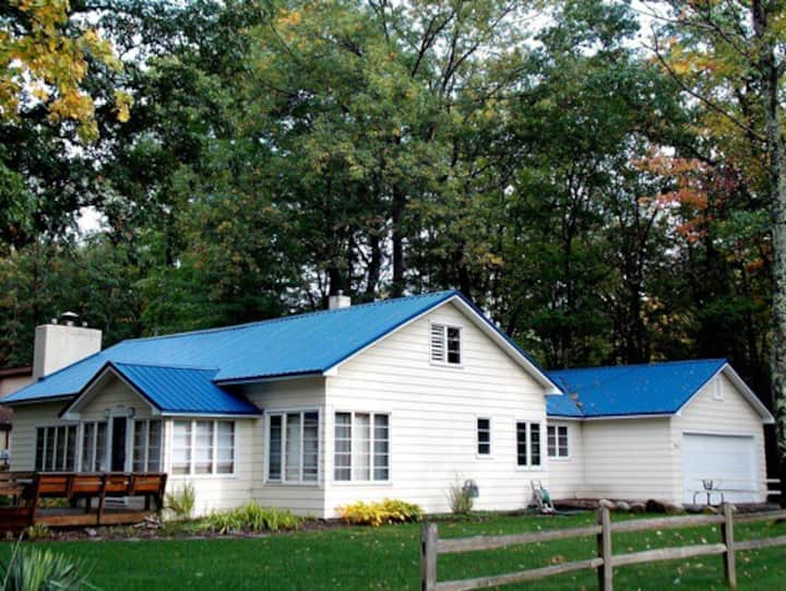 Torch Lake cottage rental - spacious accommodation