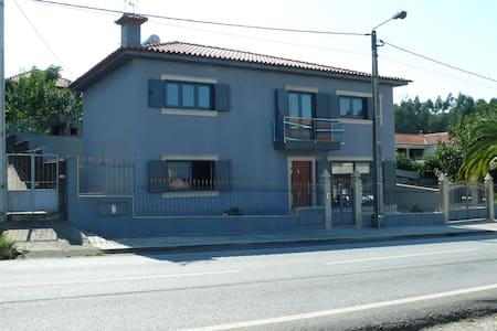 Maison neuve d'environ 150 m2 située à Sobrado - Sobrado - Ev