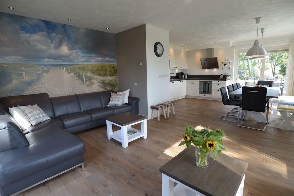 Luxe villa met sunshower en whirlpool villas for rent in oosterend noord holland netherlands - Buiten villa outs ...