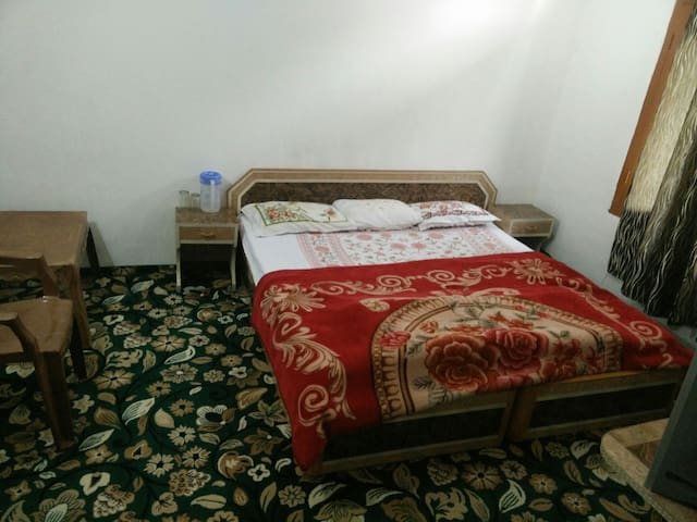 2nd home away from your Home - Srinagar - Dům
