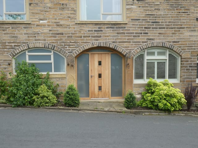 Luxury apartment in Pennines within 18thC house - Holmbridge - Daire