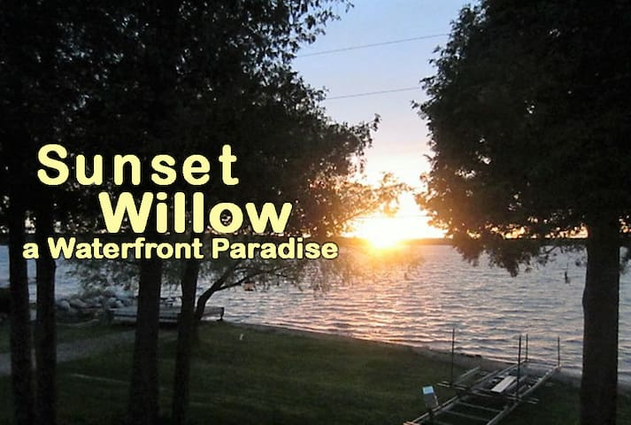 Sunset Willow a Waterfront Paradise