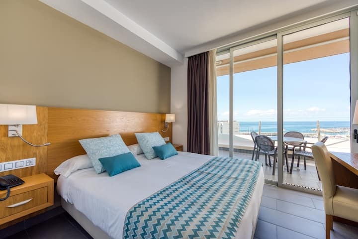 Luxury One Bedroom Apartment at Holiday Club Puerto Calma