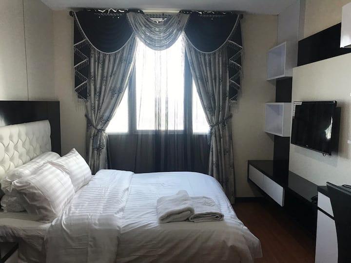 XY Pool View Condotel @ BCC Hotel & Condo