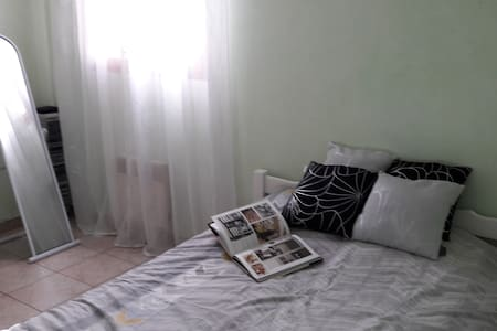 Chambre dans villa à CHATEAURENARD EN PROVENCE - Châteaurenard - Villa