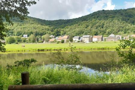 Natuurstenen huis in Semoyvallei Franse Ardennen