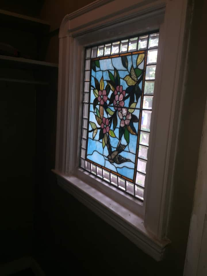 Victorian home private room