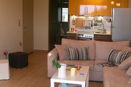 Beautiful apartment in the centre - Saronida