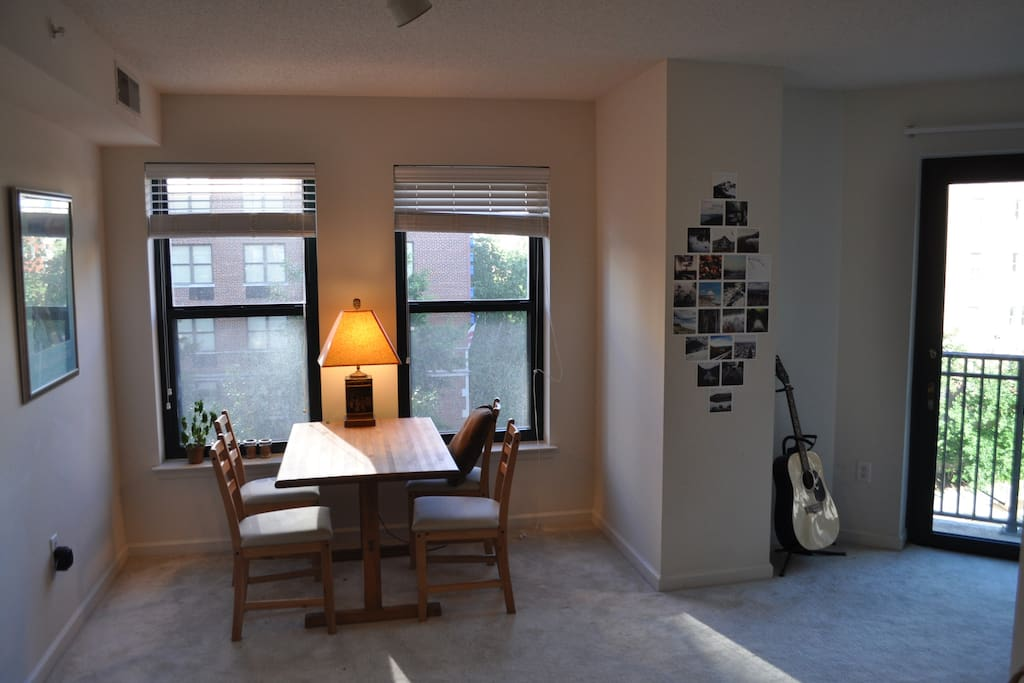 Living Room facing the corner