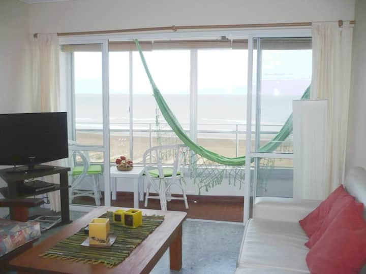 Departamento c/ balcón frente al mar 3 dormitorios