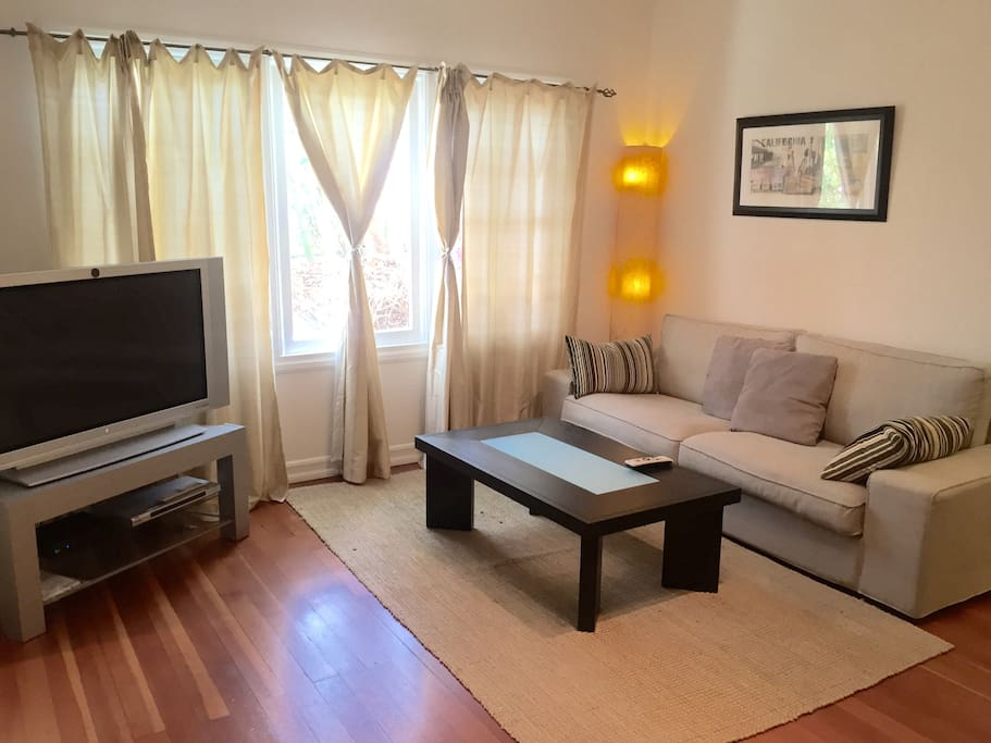 Private studio in great location apartments for rent in - One bedroom apartments in santa monica ...