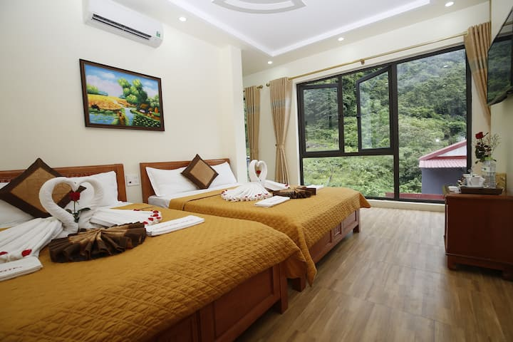 Mountain View room in the heart of Catba Town