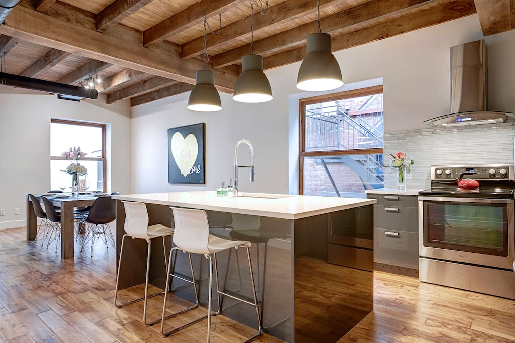 Brand new dream loft in old montreal lofts louer for Meuble montreal griffintown