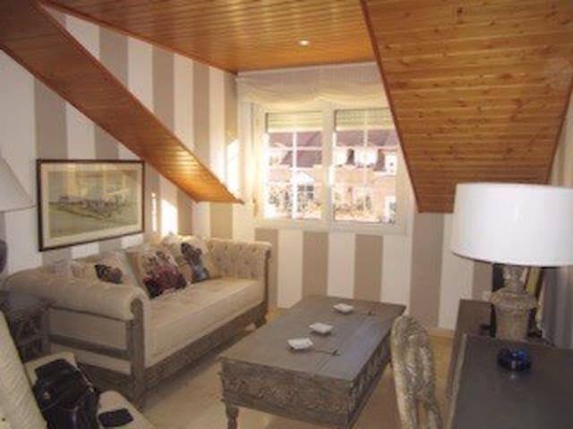 Luxurious appartement in residential area - Villaviciosa de Odón - Apartamento