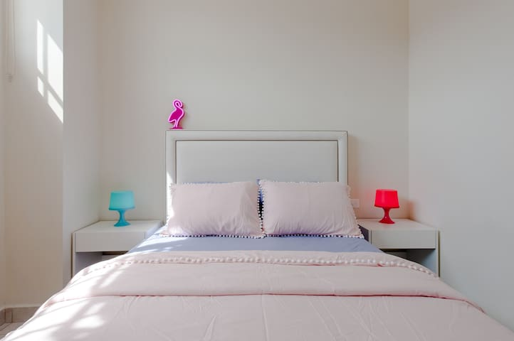 Downtown Flamingo Room