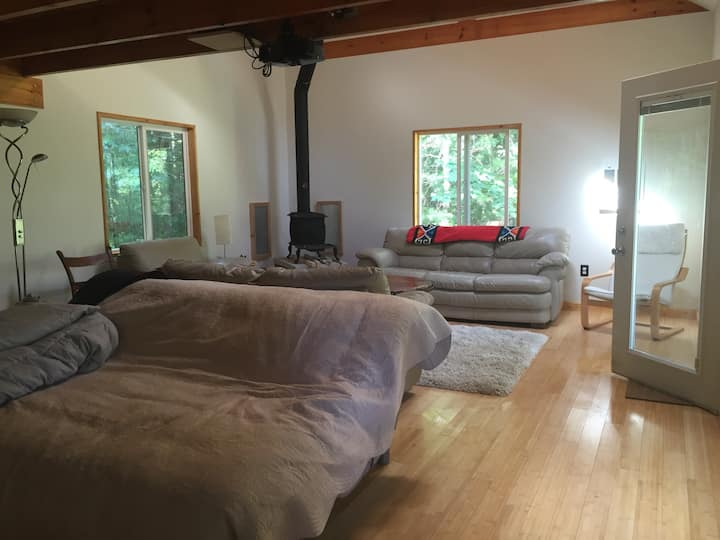 Sauna & Cabin (*3 season: winter water turned off)