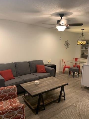 Clarksville 1 bedroom charmer