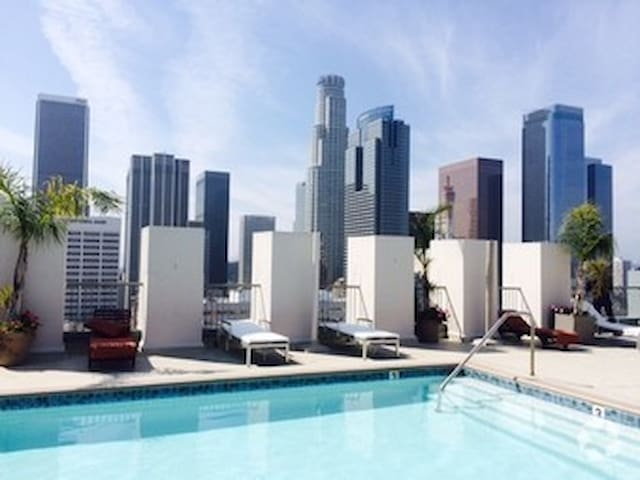 Beautiful Redefined Urban Living; 2brm Loft /Pool