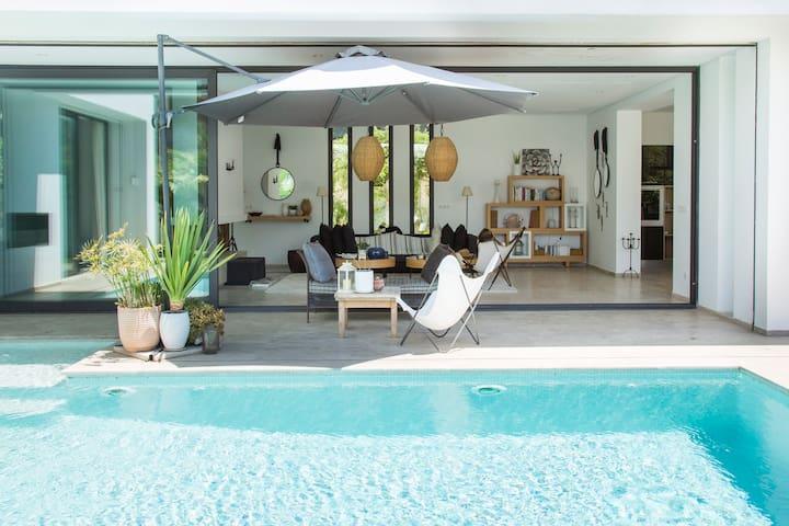 Villa Bonheur: Villa exceptionnelle à la Soukra