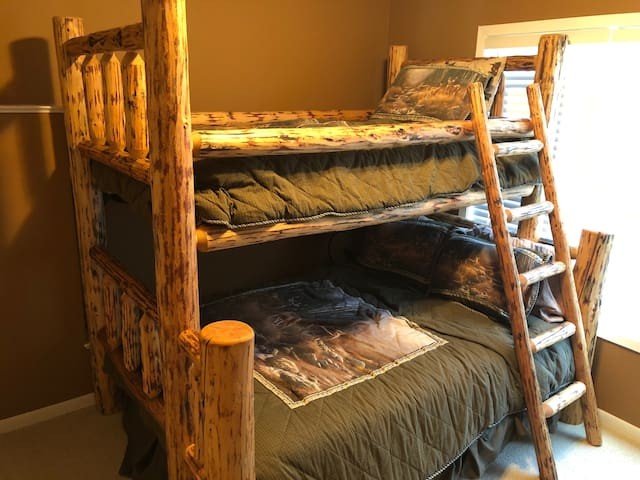 Lower Level Bedroom - Double, Single