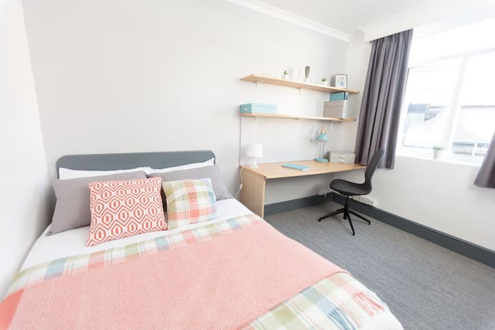 Studio Apartment in Coventry City Centre
