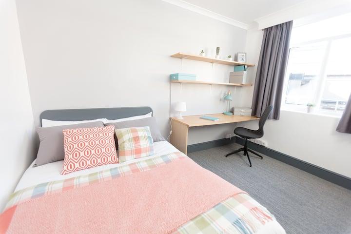 Studio Apartment in Coventry City Centre