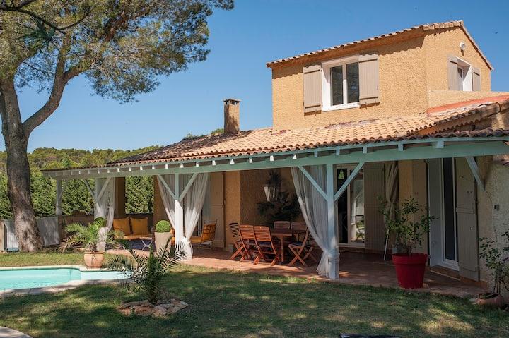 Villa climatisée avec piscine en Provence