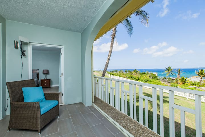 Ocean View w/ Balcony ☆ Safe Gated Complex ☆ Pool