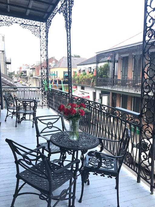 to further enhance your experience, make your way to the over sized balcony thru the french doors, and enjoy your wine in the evening while appreciating the lifestyle of the French Quarter