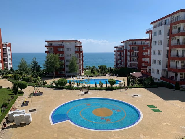 2-bedroom  (Marina View Fort Beach), up to 6 per
