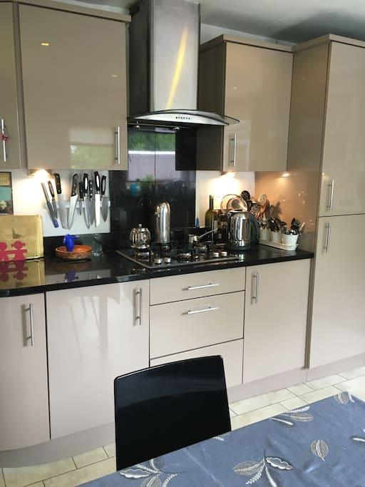 Kitchen - all granite n gloss