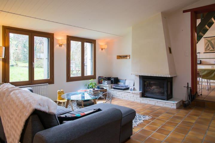 Maison proche centre, au calme - La Roche-sur-Yon - Hus