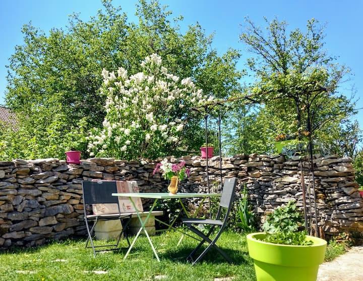 Appartement + terrasse privés au cœur du Jura !