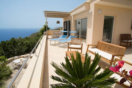 Villa le Terrazze, beautiful villa near the sea - Marina di Novaglie - Villa