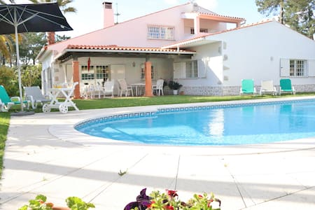 Villa, piscina,playas,Lisboa a 20km