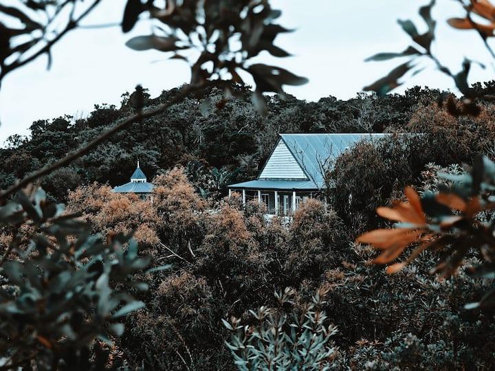 The Boathouse Venus Bay (Linen provided)