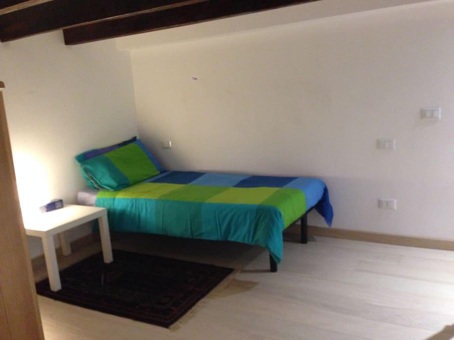 Mezzanine floor single bed