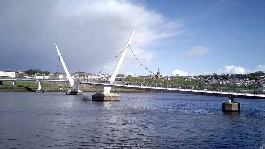 Foyle river view on cityside - Derry - Leilighet