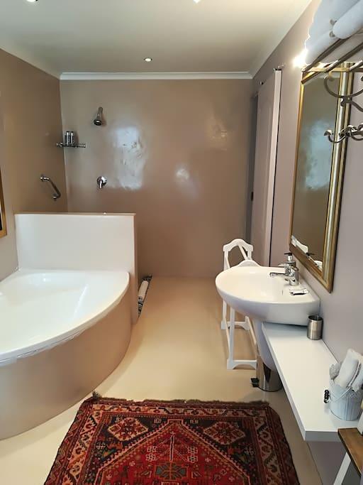Relax - Bathroom