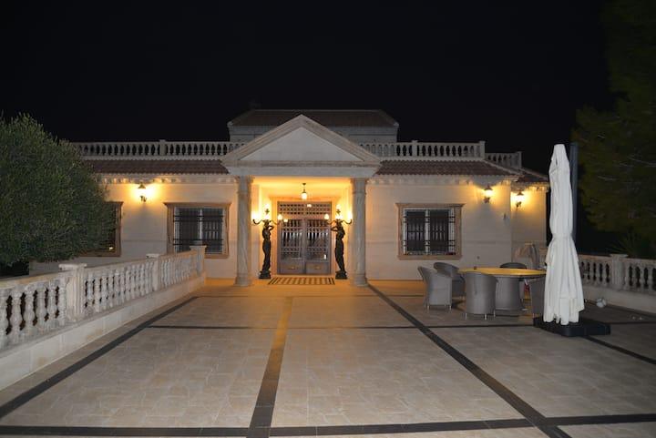 Luxury Villa near La Finca Golf Res