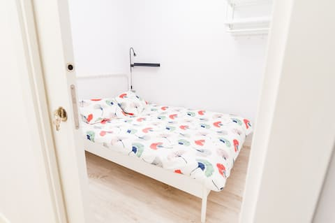 Cosy Fully Renovated Room - Sagrada Familia