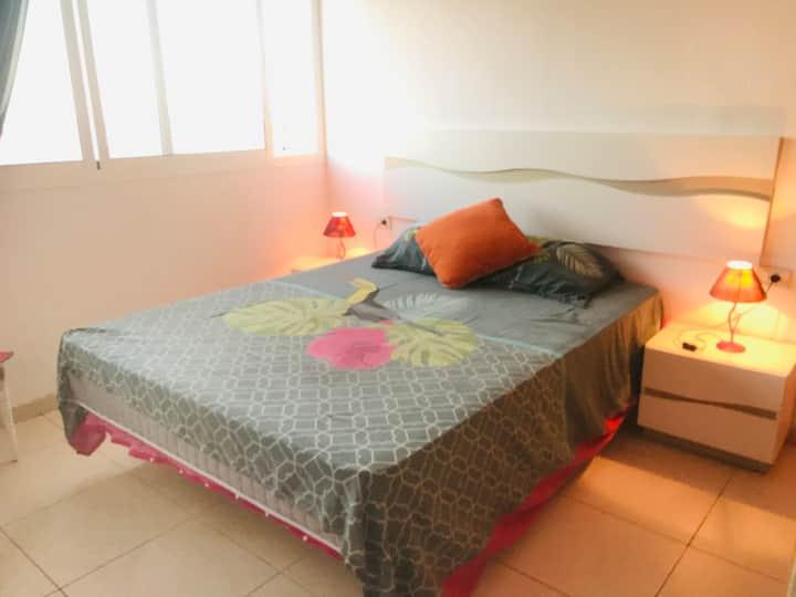 Luminoso,Tranquilo y Bien comunicado Apartamento