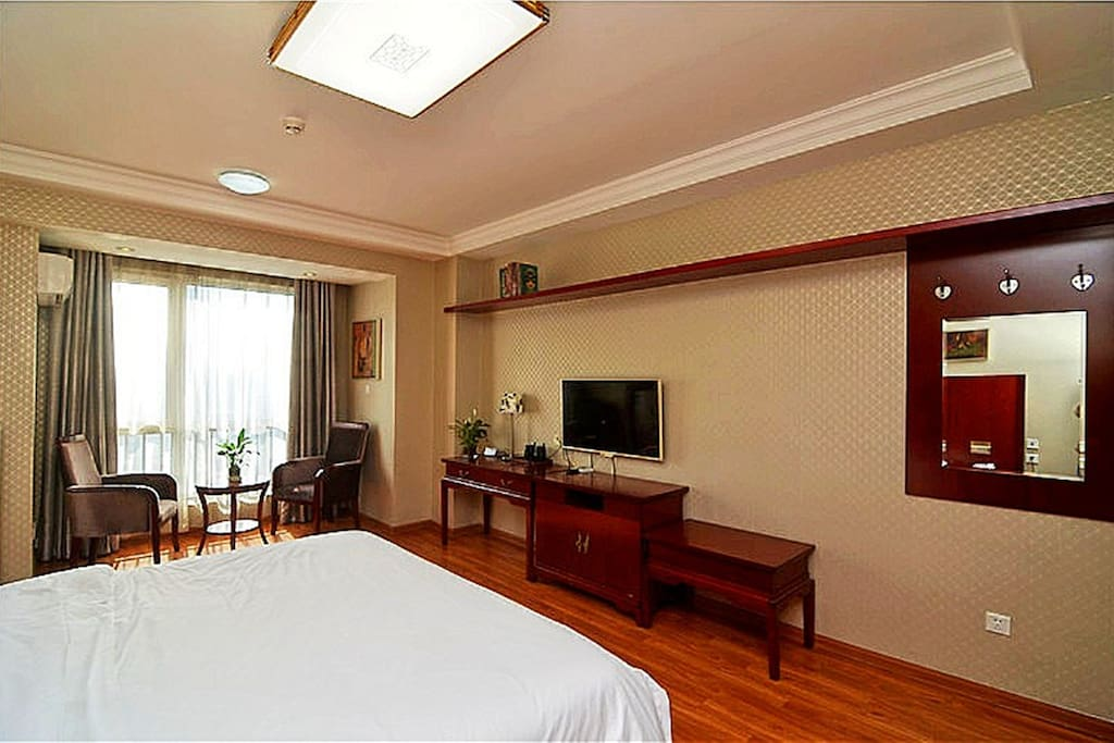 King Size Double Bed Room 2m×2m 超宽大床房